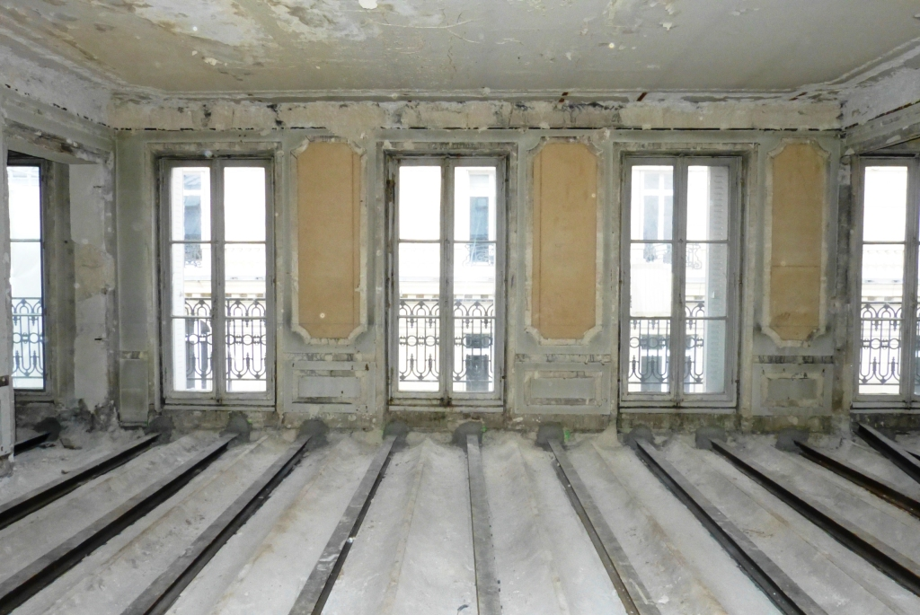 paris viii champs elys es dernier tage 150 m r nover 1 600 000 fai delphine. Black Bedroom Furniture Sets. Home Design Ideas